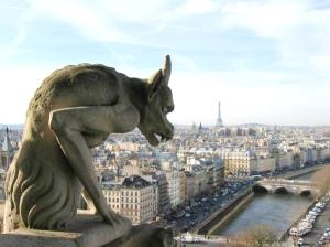 Fue en la Catedral de Notre Dame de Paris donde se tomó la fatídica decisión que acabaría con la población Cátara del Languedoc.