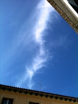 Una nube con forma de espiral inmensa cruzaba el cielo, justo a la hora del encuentro en la Catedral, simbolizando el trabajo que se está llevando a cabo.